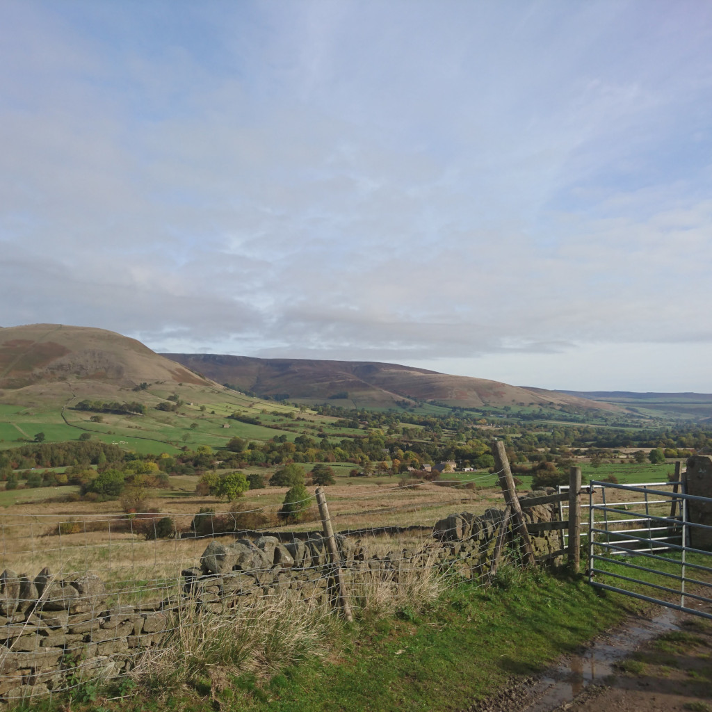 Clear skies looking into Edale valley from Rushup Edgde end.