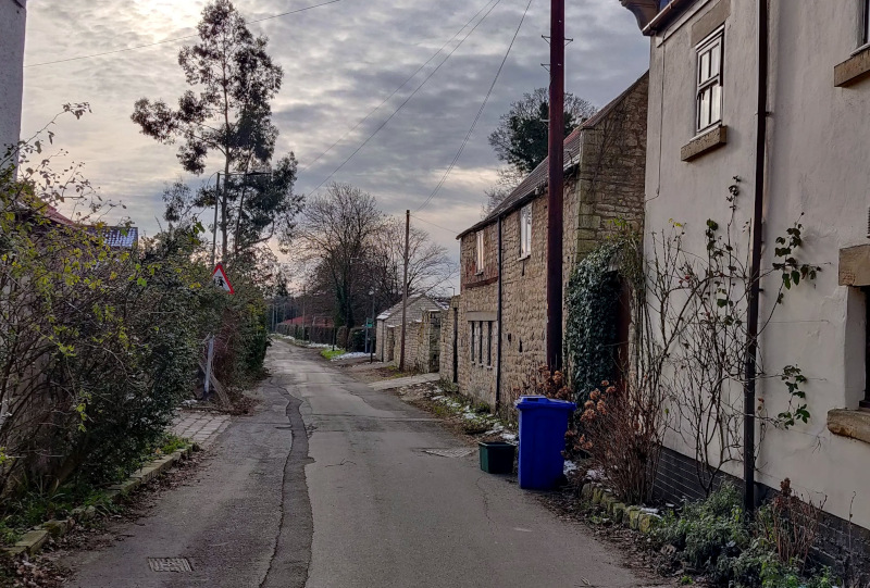 Looking down Common Lane, Warmsworth